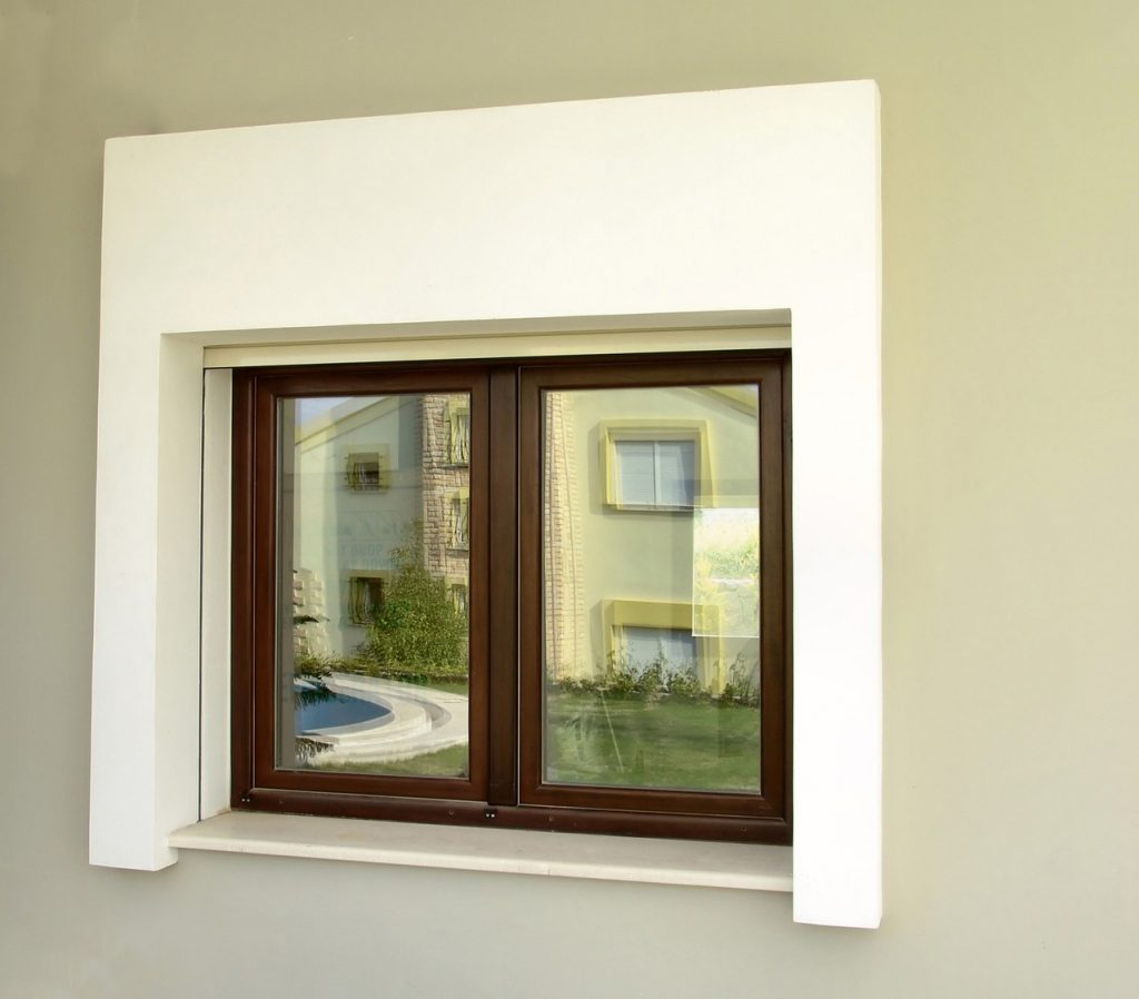 W jaki sposób dobrze uszczelnić okno?