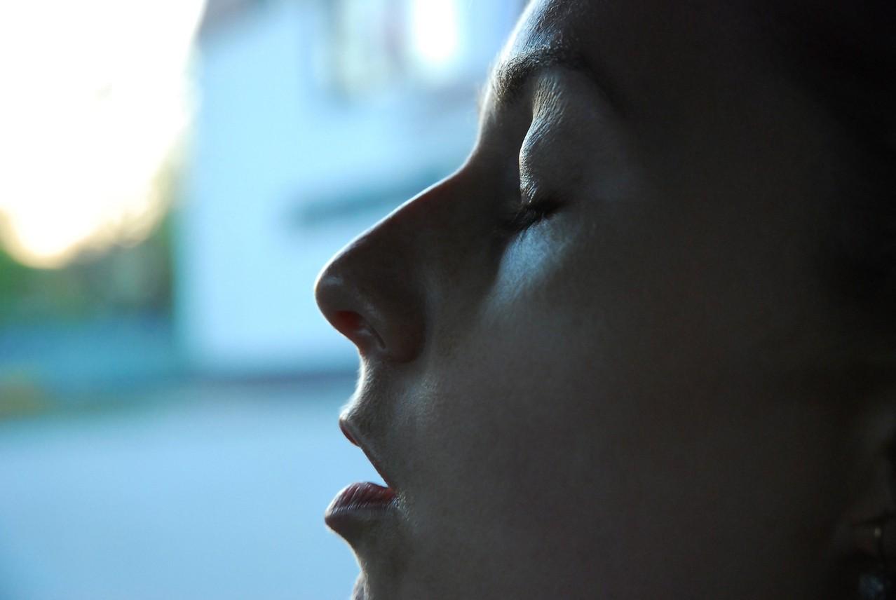 Kaszel, katar – nie sprzyjają choremu na grypę